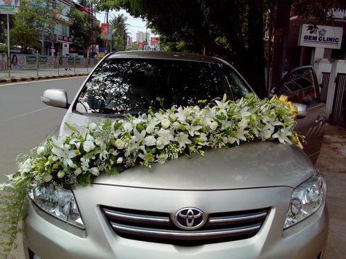 Wedding Car Decoration With Flowers  from www.floristchain.com