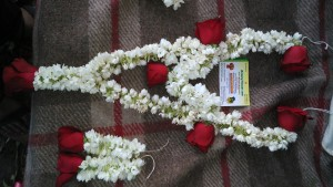 Mehndi Fresh Flowers : Fresh flower jewellery for mehndi gurgaon delhi 9711655952 noida