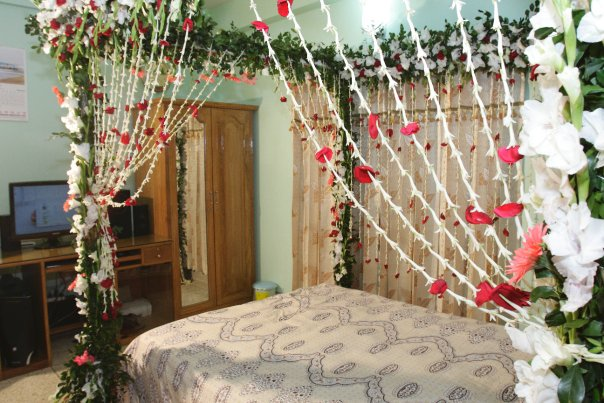 Bridal bed room decoration 23 florist chain 1st night bedroom decoration junglespirit Choice Image