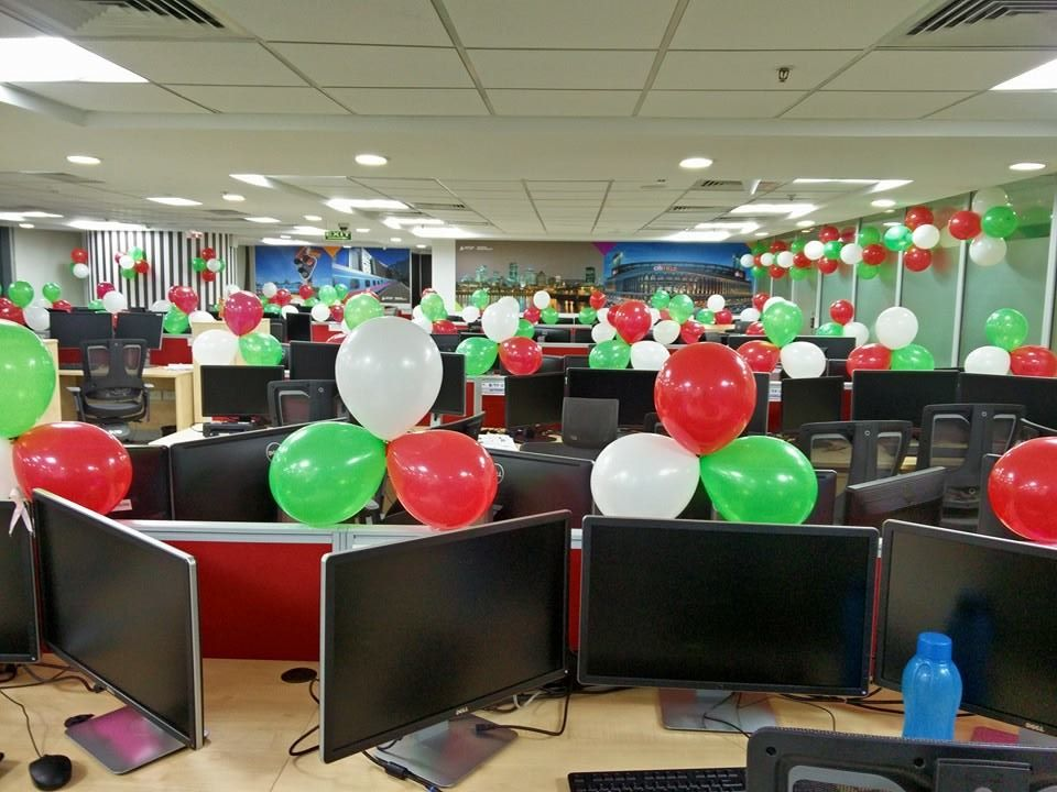 15-august-balloon-decoration-in-office-2