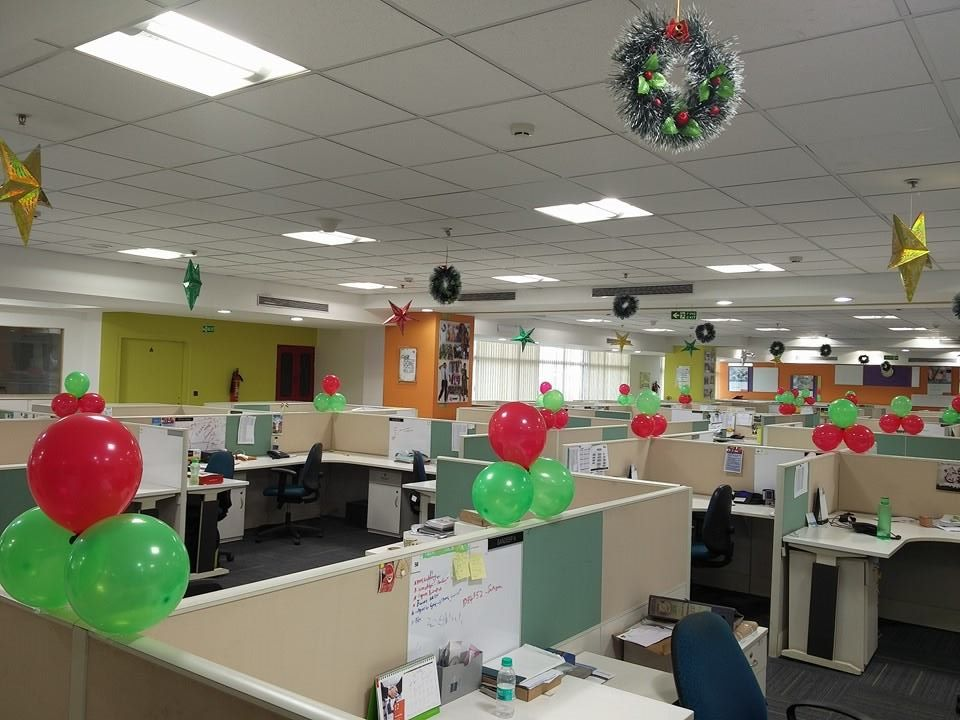 15-august-balloon-decoration-in-office-4