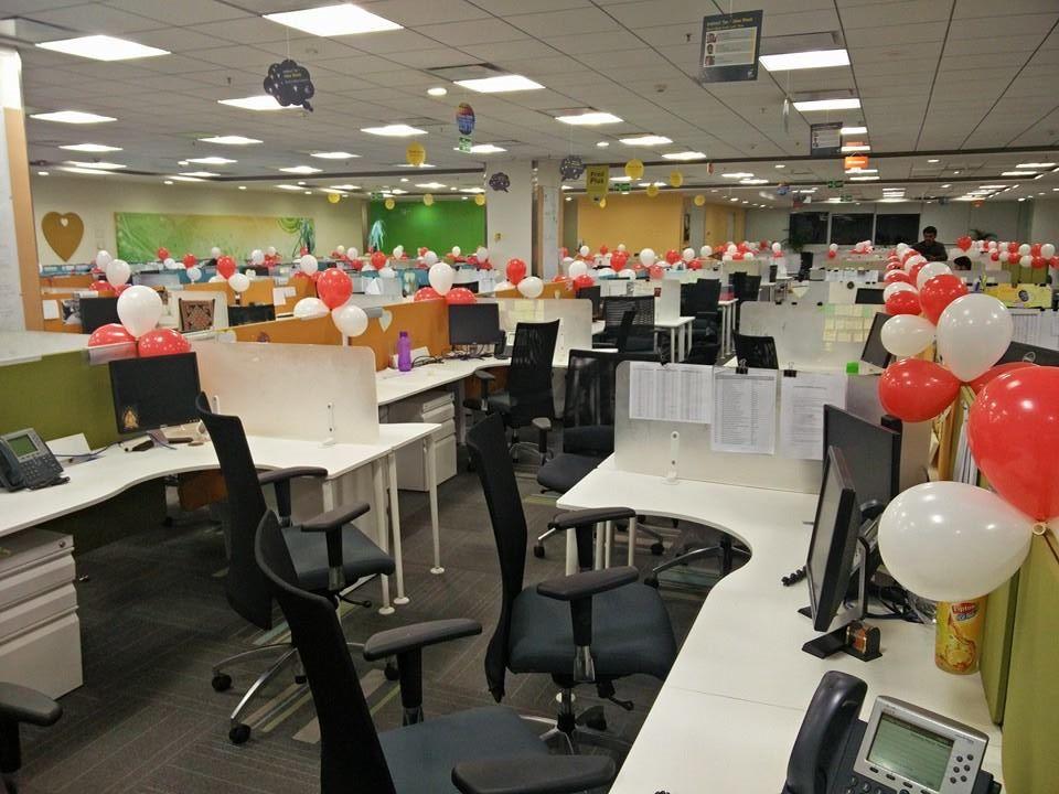 balloon-decoration-in-office